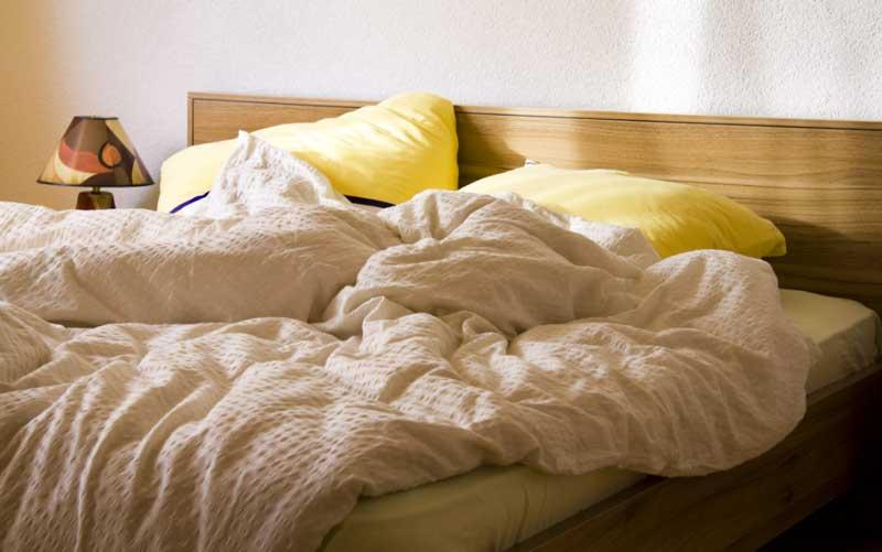 寝室で汚れる場所や物とは
